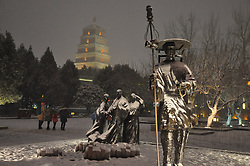 January 3, 2018 - Xi'An, Xi'an, China - Park statues covered in snow as first snow of New Year arrives in Xi'an, northwest China's Shaanxi Province. (Credit Image: © SIPA Asia via ZUMA Wire)