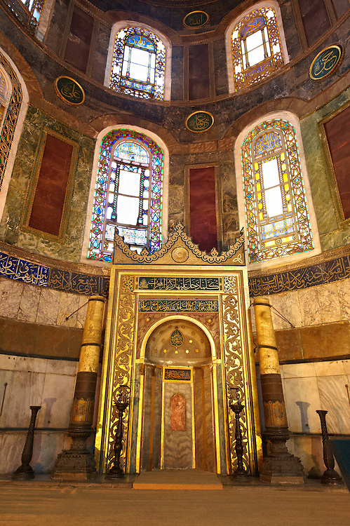 The 19th century Mihrap (Mihrab), the niche in a mosque that indicated the direction of Mecca, Hagia Sophia ( Ayasofya ) , Istanbul, Turkey .<br /> <br /> If you prefer to buy from our ALAMY PHOTO LIBRARY  Collection visit : https://www.alamy.com/portfolio/paul-williams-funkystock/istanbul.html<br /> <br /> Visit our TURKEY PHOTO COLLECTIONS for more photos to download or buy as wall art prints https://funkystock.photoshelter.com/gallery-collection/3f-Pictures-of-Turkey-Turkey-Photos-Images-Fotos/C0000U.hJWkZxAbg