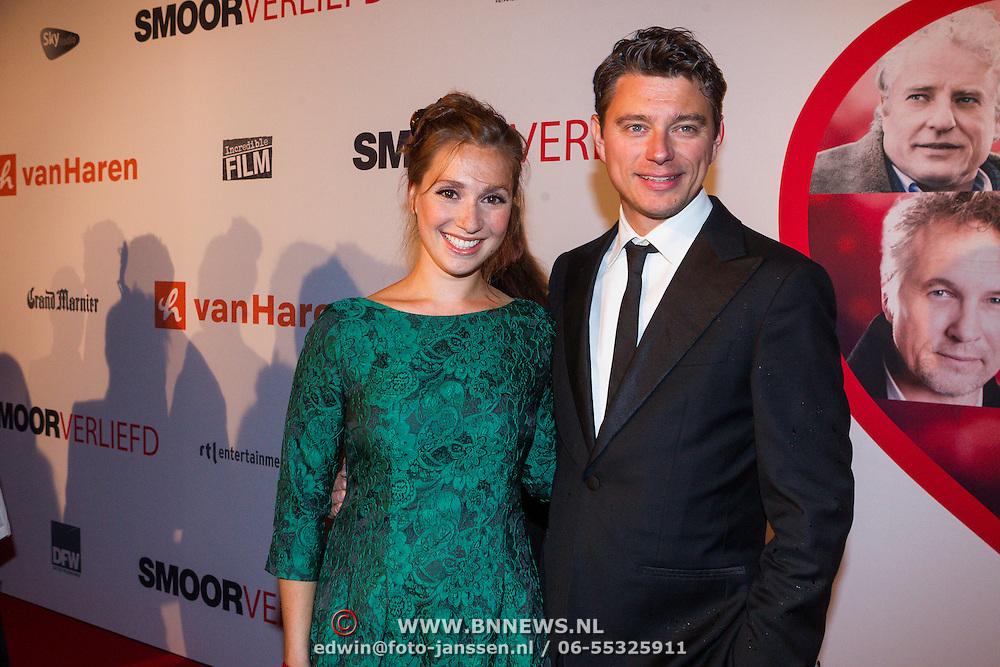 NLD/Scheveningen/20130909 -  Filmpremiere Smoorverliefd, Chava voor in 't Holt en partner …..