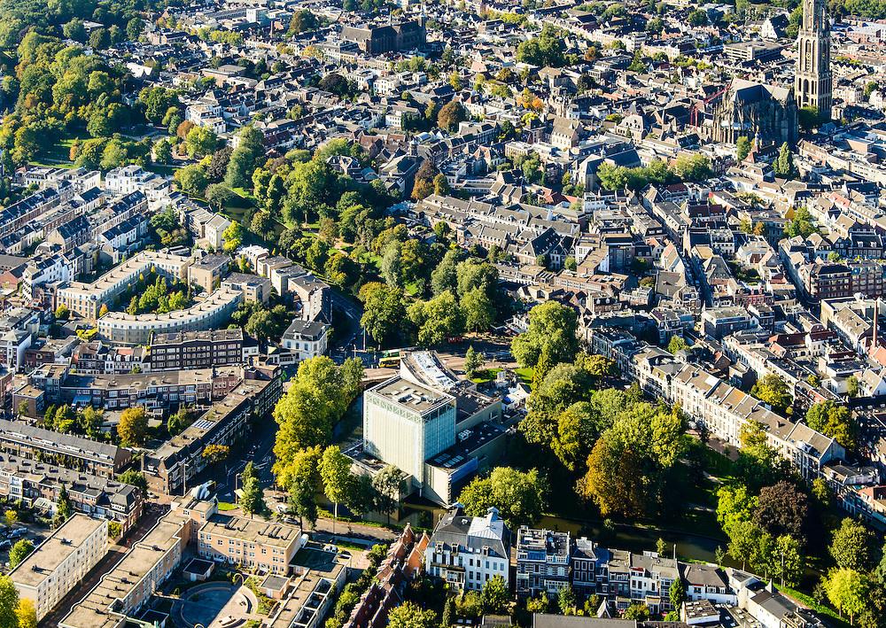 Nederland, Utrecht, Gemeente Utrecht, 30-09-2015; Zocherpark en Lucasbolwerk. Stadsschouwburg (architect W.H. Dudok).<br /> Downtown  Utrecht with theater<br /> luchtfoto (toeslag op standard tarieven);<br /> aerial photo (additional fee required);<br /> copyright foto/photo Siebe Swart
