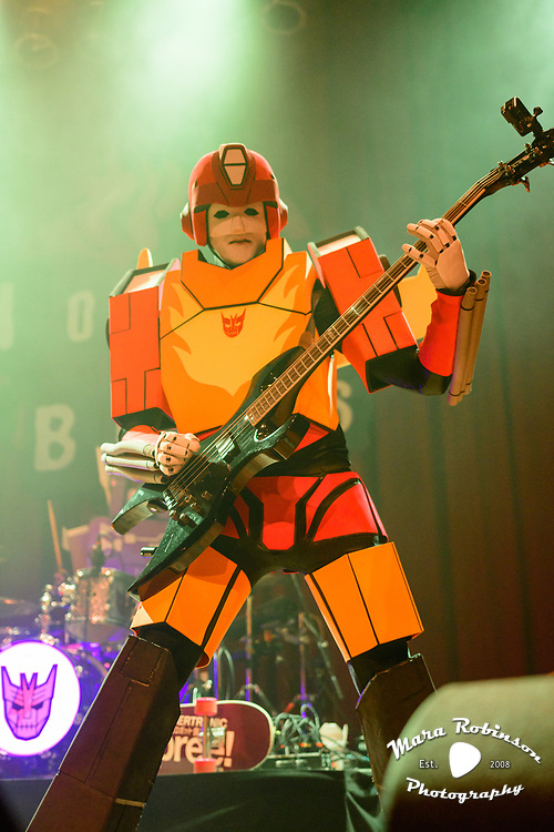 The Cybertronic Spree concert photography by Cleveland music photographer Mara Robinson