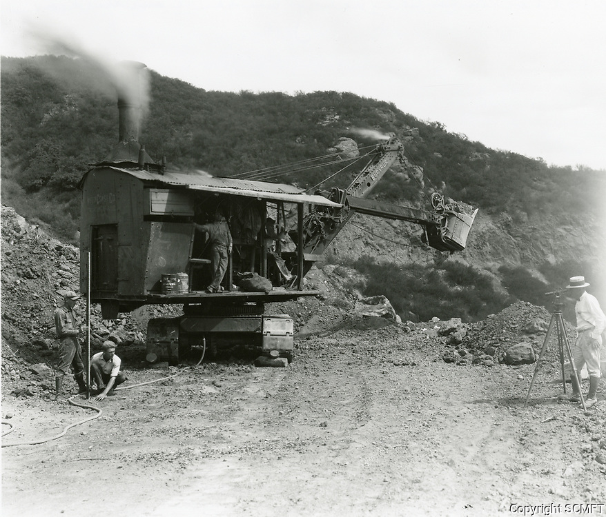 1924 Grading the road at Hollywoodland in the Hollywood hills