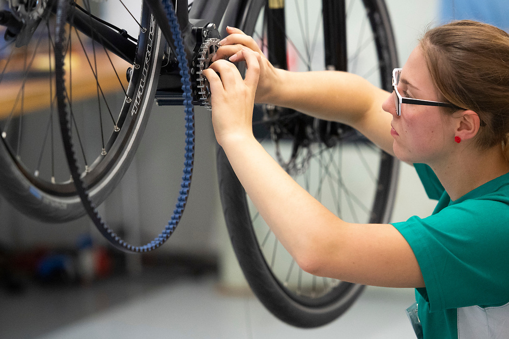 12. September 2018; Bern; SwissSkills 2018  - 2. Tag - Fahrradmechaniker/in EFZ / M?canicien en cycles CFC / Mecanicienne en cycles CFC / Meccanico di biciclette (AFC) / Meccanica di biciclette (AFC) / 2rad Schweiz / 2roues Suisse / 2ruote Svizzera  (Michael Zanghellini)