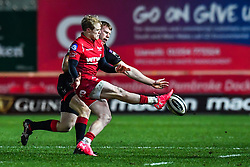 Scarlets' Aled Davies puts in a kick<br /> <br /> Photographer Craig Thomas/Replay Images<br /> <br /> Guinness PRO14 Round 13 - Scarlets v Dragons - Friday 5th January 2018 - Parc Y Scarlets - Llanelli<br /> <br /> World Copyright © Replay Images . All rights reserved. info@replayimages.co.uk - http://replayimages.co.uk