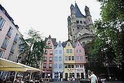 Duitsland, Keulen, 9-8-2009Een pleintje in de oude stad. De romaanse kerk is de Gross st. Martin.A square in the old city. The Romanesque church is the Gross st. Martin.Foto: Flip Franssen/Hollandse Hoogte