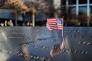 NEW YORK  2020V10<br /> Flagga vid minnesmonumentet Ground Zero<br /> Semeter i NewYork vecka 10 2020<br /> <br /> Foto: Per Danielsson/Projekt.P