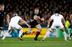 © Andrew Fosker / Seconds Left Images 2011 - New Zealand's Kieran Read breaks - France v New Zealand - Rugby World Cup 2011 - Final - Eden Park - Auckland - New Zealand - 23/10/2011 -  All rights reserved..