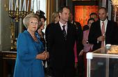 Koningin Beatrix bij 350 jaar geschiedenis op de dam