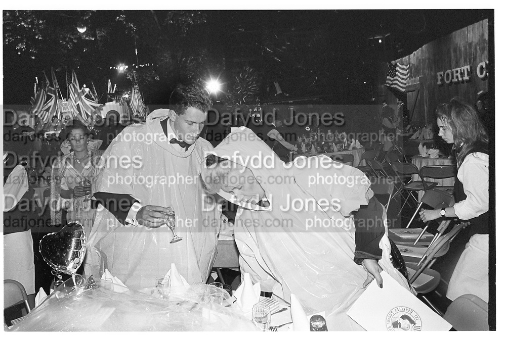 Charles Jacobs and Signdue Inguardottir. Berkeley Square Ball. 4 July 1988.  SUPPLIED FOR ONE-TIME USE ONLY> DO NOT ARCHIVE. © Copyright Photograph by Dafydd Jones 66 Stockwell Park Rd. London SW9 0DA Tel 020 7733 0108 www.dafjones.com