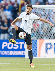26.06.2016, Stade Pierre Mauroy, Lille, FRA, UEFA Euro 2016, Deutschland vs Slowakei, Achtelfinale, im Bild Sami Khedira (GER) // Sami Khedira (GER) during round of 16 match between Germany and Slovakia of the UEFA EURO 2016 France at the Stade Pierre Mauroy in Lille, France on 2016/06/26. EXPA Pictures © 2016, PhotoCredit: EXPA/ JFK