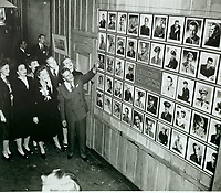 1944 Jane Wyman, Marlene Dietrich, Bob Hope, Mervin LeRoy, Bette Davis & Joan Leslie looking at the Hall of Honor at the Hollywood Canteen