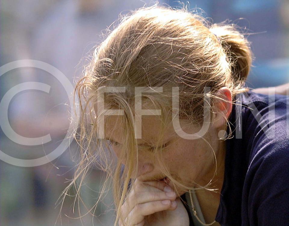 051997 wassenaar nederland europacup hockey finale<br />hgc dames hc berlin<br />een ontroostbare  evenblij niet alleen de finale verloren maar ook een kapotte enkel<br />foto frank uijlenbroek©1997