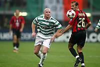Fotball<br /> UEFA Champions League 2004/2005<br /> Foto: Dppi/Digitalsport<br /> NORWAY ONLY<br /> <br /> AC MILAN v CELTIC FC<br /> <br /> 29/09/2004<br /> <br /> JOHN HARTSON (CEL) / GIUSEPPE PANCARO (MIL)