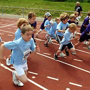 NLD/Huizen/20070606 - SchoolAtletiekMiddag bij AV Zuidwal Huizen
