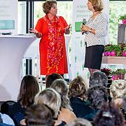 NLD/Zoetermeer/20170904 -  Opening week Alfabetiseringsweek, wethouder Isabelle Vugs in gesprek met Marja van Bijsterveldt