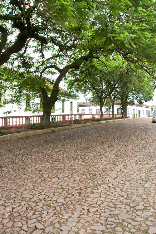 Santa Barbara_MG, Brasil...Rua na cidade de Santa Barbara, Minas Gerais...Street in Santa Barbara town, Minas Gerais...Foto: LEO DRUMOND / NITRO