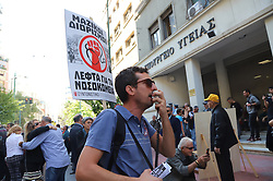 October 10, 2018 - Athens, Attiki, Greece - Public Hospital employees demonstrate in Athens demanding better payment and benefits. (Credit Image: © George Panagakis/Pacific Press via ZUMA Wire)