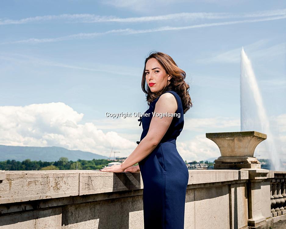 Genève, juin 2021. Stella Morris, fiancée of Julian Assange with le jet d'eau de Genève. © Olivier Vogelsang