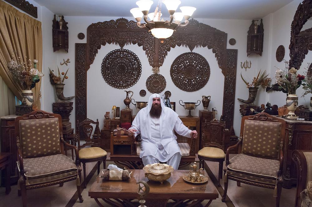 The leading Sunni Salafist & Omar Bakri in his house in Tripoli. He says he is close to al-Qaeda. Wants an Arab Spring in Lebanon. Speaks of a Sunni frontline from Tripoli to Homs. Tripoli, Lebanon...Le leader sunnite & salafist Omar Bakri dans sa maison à Tripoli. Il se dit proche d'Al-Qaïda. Veut un printemps arabe au Liban. Parle d'une ligne de front sunnite allant de Tripoli au Homs.