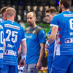Juergen Schweikardt (Trainer TVB Stuttgart) ; Viggo Kristjansson (TVB Stuttgart #73) ; Patrick Zieker (TVB Stuttgart #25) ; LIQUI MOLY HBL / 1. Handball-Bundesliga: TVB Stuttgart - SG Flensburg-Handewitt am 09.06.2021 in Stuttgart (PORSCHE Arena), Baden-Wuerttemberg, Deutschland<br /> <br /> Foto © PIX-Sportfotos *** Foto ist honorarpflichtig! *** Auf Anfrage in hoeherer Qualitaet/Aufloesung. Belegexemplar erbeten. Veroeffentlichung ausschliesslich fuer journalistisch-publizistische Zwecke. For editorial use only.