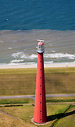 Nederland, Noord-Holland, Huisduinen, 14-07-2008; vuurtoren bijgenaamd De Lange Jaap; opgebiuwd uit gietijzeren platen; kustwacht, radar. .luchtfoto (toeslag); aerial photo (additional fee required); .foto Siebe Swart / photo Siebe Swart