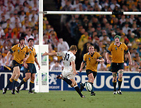 Photo: Richard Lane.<br />Australia v England. Rugby World Cup Final, at the Telstra Stadium, Sydney. RWC 2003. 22/11/2003. <br />Jonny Wilkinson lines up a drop goal to win the Rugby World Cup.