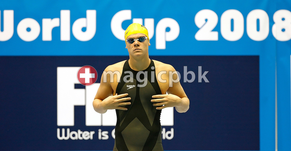 Chris WRIGHT of Australia prepares himself before competing in the  men's 100m butterfly heats in the Schwimm- und Sprunghalle Europa Sportpark at the Fina Swimming World Cup in Berlin, Germany, Sunday 16 November 2008. (Photo by Patrick B. Kraemer / MAGICPBK)