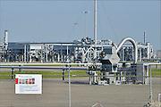 Nederland, Loppersum, 15-4-2015Beelden uit het gebied in de provincie Groningen die ernstig te lijden heeft onder de gevolgen van de gaswinning door de NAM. 43 Huizen met aardbevingsschade zullen gesloopt moeten worden. De gaswinning in de nabijheid van dit dorp moet gestopt worden. Er zijn enkele winlocaties vlakbij zoals bij 't Zandt. Aardschokken door gaswinning bij deze locatie zijn de zwaarste waargenomen.Foto: Flip Franssen/ Hollandse Hoogte