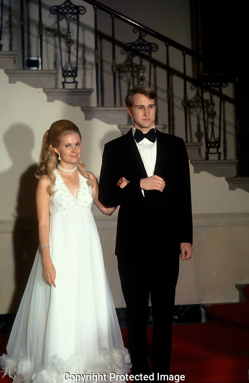 Tricia and Ed Cox .at the wedding of Trica Nixon and Ed Cox in the White House on June 12, 1971..Photograph by Dennis Brack  BS B 15