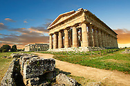 The ancient Doric Greek Temple of Hera of Paestum  built in about 460-450 BC. Paestrum archaeological site, Italy. .<br /> <br /> If you prefer to buy from our ALAMY PHOTO LIBRARY  Collection visit : https://www.alamy.com/portfolio/paul-williams-funkystock/paestum-greek-temples.html<br /> Visit our CLASSICAL WORLD HISTORIC SITES PHOTO COLLECTIONS for more photos to buy as buy as wall art prints https://funkystock.photoshelter.com/gallery-collection/Classical-Era-Historic-Sites-Archaeological-Sites-Pictures-Images/C0000g4bSGiDL9rw