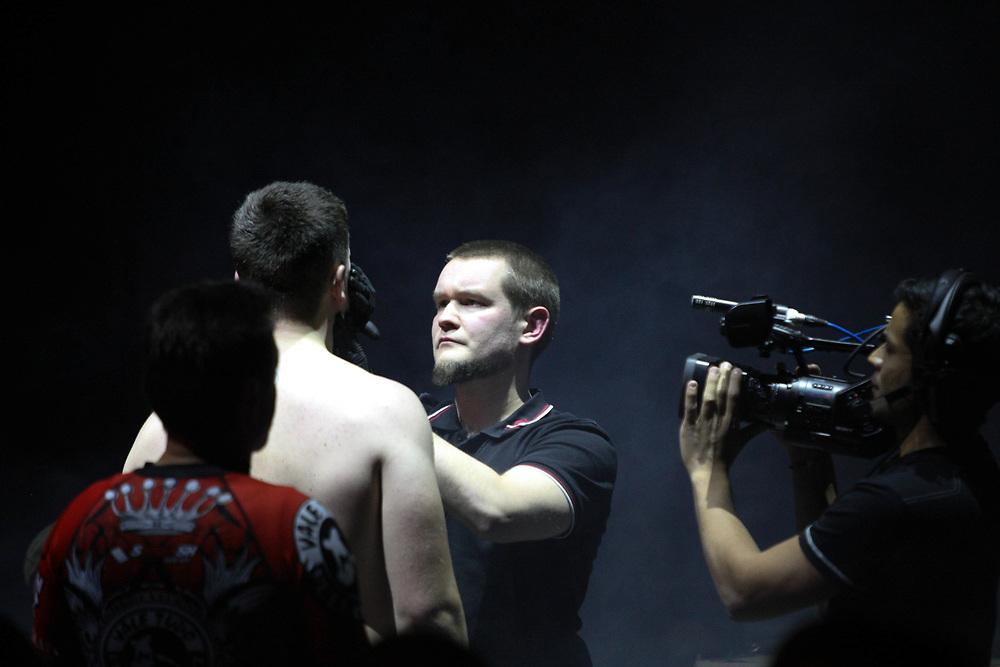 Kampfsport: MMA, We love MMA, Oberhausen, 31.01.2015<br /> Daniel Duecker (Fight Center Siegen), Ringrichter<br /> © Torsten Helmke