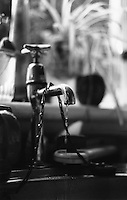 Kitchen sink tap in black and white