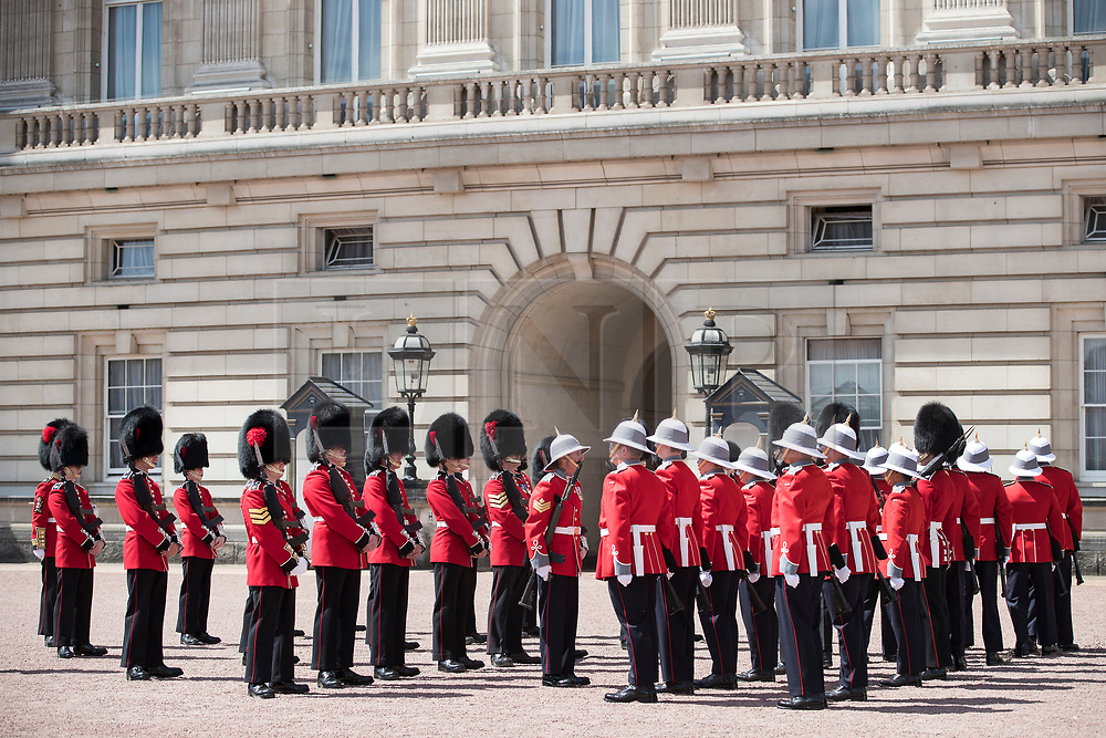 © Licensed to London News Pictures. 26/06/2017. London, UK. The 2nd Battalion, Princess Patricia's Canadian Light Infantry becomes the Queen's Guard at Buckingham Palace. The Canadian Light Infantry are taking part in the Changing of the Guard Ceremony as part of the 150th anniversary of the founding of the nation of Canada. Photo credit: Peter Macdiarmid/LNP