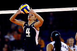 11-11-2007 VOLLEYBAL: PRE OKT: NEDERLAND - AZERBEIDZJAN: EINDHOVEN<br /> Nederland wint ook de de laatste wedstrijd. Azerbeidzjan verloor met 3-1 / Oksana Guliyeva<br /> ©2007-WWW.FOTOHOOGENDOORN.NL