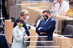 23.09.2020, Hofburg, Wien, AUT, Parlament, Sitzung des Nationalrates mit Aktueller Stunde der Gruenen, Europastunde, COVID-19 Massnahmengesetz, Sonderbetreuungszeit, Bildungsbonus, Kreditstundungen, Klimaschutz und weitere Corona-Hilfen, im Bild v. l. Sigi Maurer (Gruene), Joerg Leichtfried (SPOe) // during meeting of the National Council with Current Hour of the Greens, European Hour, COVID-19 measures law, special care time, education bonus, credit deferrals, climate protection and other corona aids at the Hofburg palace in Vienna, Austria on 2020/09/23, EXPA Pictures © 2020, PhotoCredit: EXPA/ Florian Schroetter