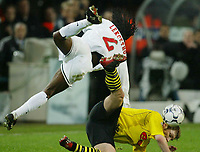 Fotball - UEFA Champions League<br /> 12.03.2003<br /> Borussia Dortmund v Lokmotiv Moskva<br /> Torsten Frings - Dortmund<br /> Jacob Leksetho - Moskva<br /> Foto: Uwe Speck, Digitalsport