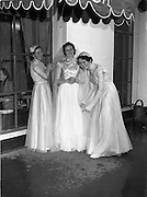 7/7/1952<br /> 7 July 1952<br /> <br /> Wedding of Dr. James Ryan and Miss Cathleen Barry at Raheny Church