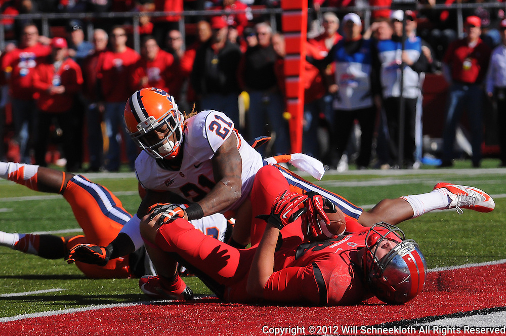 Oct 13, 2012: Rutgers Scarlet Knights tight end Tyler Kroft (86) scores a touchdown reception during NCAA Big East college football action between the Rutgers Scarlet Knights and Syracuse Orange at High Point Solutions Stadium in Piscataway, N.J.