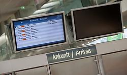 THEMENBILD - die Ankunftsmonitore in der Wartehalle am Flughafen Innsbruck, Österreich, aufgenommen am 09.07.2015 // the arrival monitors in the waiting hall at Innsbruck Airport, Austria on 2015/07/09. EXPA Pictures © 2015, PhotoCredit: EXPA/ Jakob Gruber