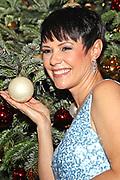 """Francine Jordi anlässlich der 14. ZDF-Benefiz-Musikshow """"Die schönsten Weihnachtshits"""" mit Carmen Nebel"""