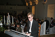 PIANO: DEREK PARAVICINI, Dinner in aid of 'Action Trust For the Blind organised by Matthew Carr. 20th Century Theatre. Westbourne Gro. London. 26 September 2007. -DO NOT ARCHIVE-© Copyright Photograph by Dafydd Jones. 248 Clapham Rd. London SW9 0PZ. Tel 0207 820 0771. www.dafjones.com.