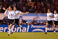 Fotball, 6. juni 2005,  - <br />  - QUALIFYING ROUND -  - ARGENTINA v BRAZIL - 08/06/2005 - JOY JUAN RIQUELME / GABRIEL HEINZE / JUAN SORIN (ARG) AFTER GOAL - <br /> PHOTO BERTRAND MAHE / DIGITALSPORT<br /> NORWAY ONLY