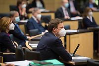 DEU, Deutschland, Germany, Berlin, 12.02.2021: Der saarländische Ministerpräsident Tobias Hans (CDU) bei der 1000. Plenarsitzung des Bundesrats. Aufgrund der Pandemie müssen alle Teilnehmer medizinische Masken bzw. FFP-2 Masken tragen.