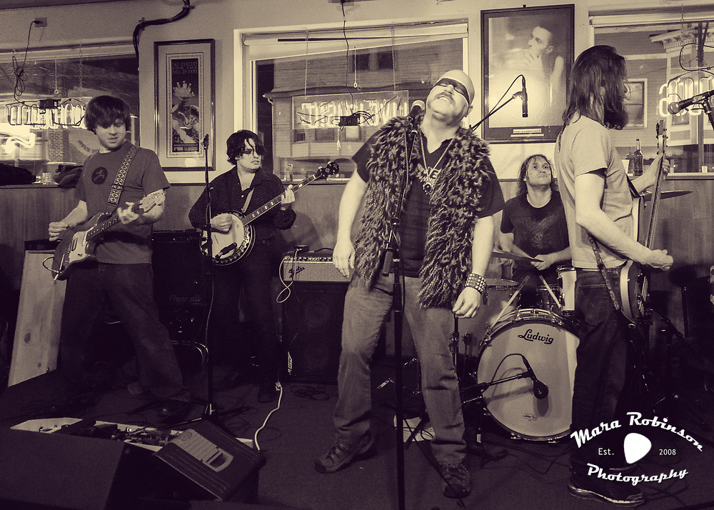 New Planet Trampoline at Happy Dog by Cleveland music photographer Mara Robinson 4.26.2014