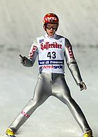 Val di Fiemme/Predazzo.2003-02-22/ Hopp stor bakke K120<br />Sigurd Pettersen efter 1 hoppet<br />Foto, Calle Toernstroem