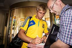 25.05.2012, Hotel Seeresidenz, Walchsee, AUT, UEFA EURO 2012, Trainingscamp, Ukraine, Training, im Bild Bohdan Butko, (UKR) // during the arrival at the Hotel Seeresidenz of Ukraine National Footballteam for preparation UEFA EURO 2012 at Hotel Seeresidenz, Walchsee, Austria on 2012/05/25. EXPA Pictures © 2012, PhotoCredit: EXPA/ Juergen Feichter