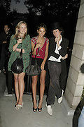 Davina Blair, Rose Hanbury and Henry Thomas, Stephen Jones Summer Hat party to celebrate 25 years of Milllinery. Debenham House, 8 Addison Rd. Holland Park, London. 13 July 2006.  ONE TIME USE ONLY - DO NOT ARCHIVE  © Copyright Photograph by Dafydd Jones 66 Stockwell Park Rd. London SW9 0DA Tel 020 7733 0108 www.dafjones.com