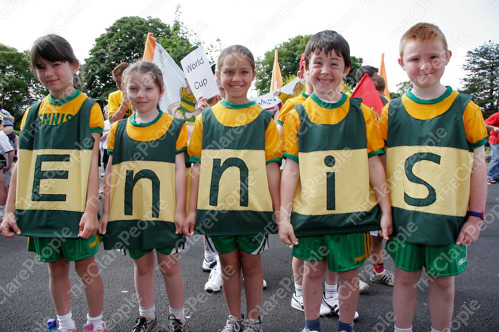 Lorraine McInerney, Marie Hayes, Amy Hayes, Fergus Lyne and Darren Meehan spelt it out for people at the Community Games Parade in Ennis on Saturday morning.<br /><br /><br /><br />Photograph by Yvonne Vaughan.