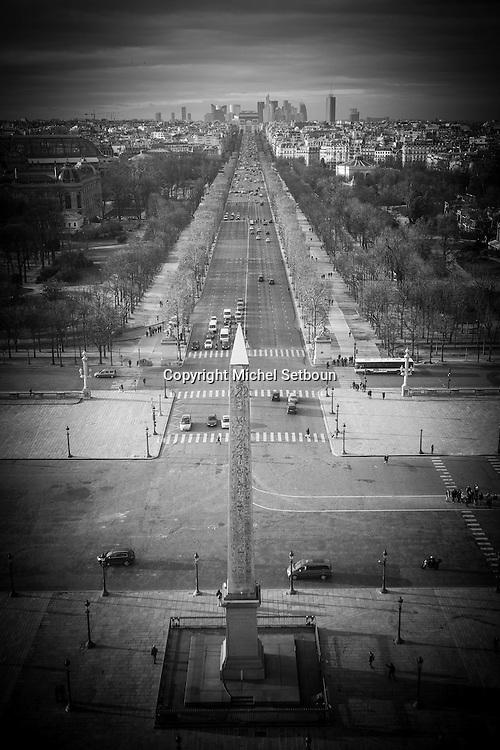 France. Paris. elevated view on place de la Concorde , view from the big wheel. La place de Concorde vue depuis la grande roue