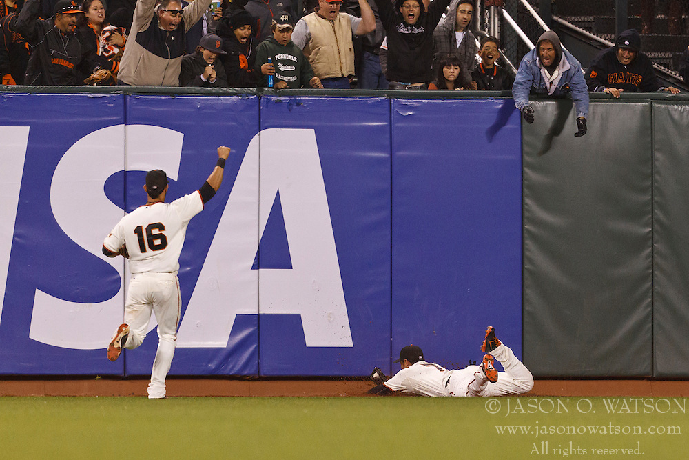 SAN FRANCISCO, CA - JUNE 13: Gregor Blanco #7 of the San Francisco Giants makes a diving catch against the Houston Astros during the seventh inning at AT&T Park on June 13, 2012 in San Francisco, California. The San Francisco Giants defeated the Houston Astros 10-0. (Photo by Jason O. Watson/Getty Images) *** Local Caption *** Gregor Blanco